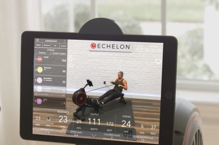 a rowing workout on the Echelon App